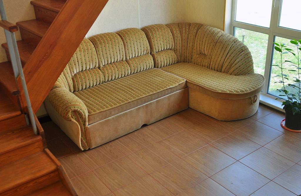 Уютная комната ожидания для клиентов стоянки